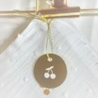 Médaille cerise
